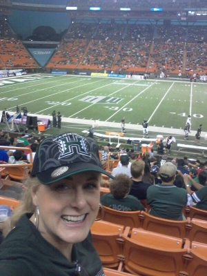 Mary Kelly Hawaii football fan